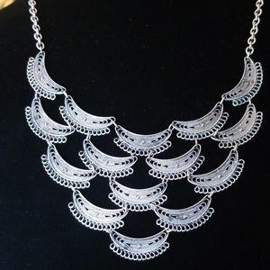 SimplyNova Silver Neckline